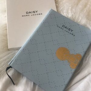 Daisy Marc Jacobs journal new